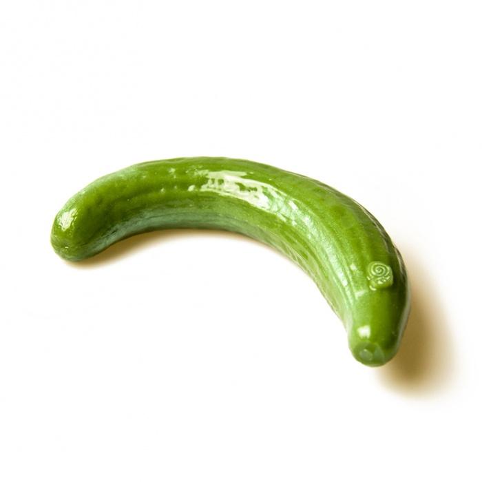 akcesoria erotyczne: dildo Dildo Zakrzywiony Ogórek // Garden of Eden // zmieniające kolory